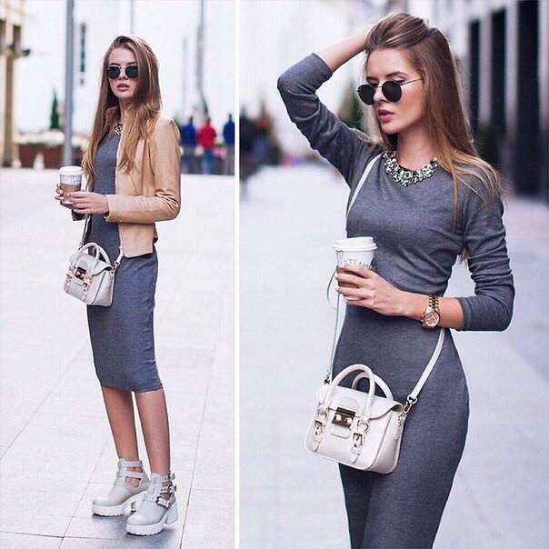 Облегающее серое платье с длинным рукавом