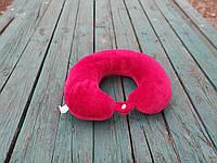 Подушка LSM для путешествий 30х30х9  красная  (105-73)