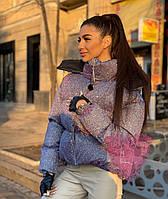 Женская блестящая короткая куртка с голографическим эффектом и с капюшоном