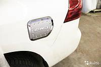 Накладка на лючок бака Toyota Land Cruiser Prado 150