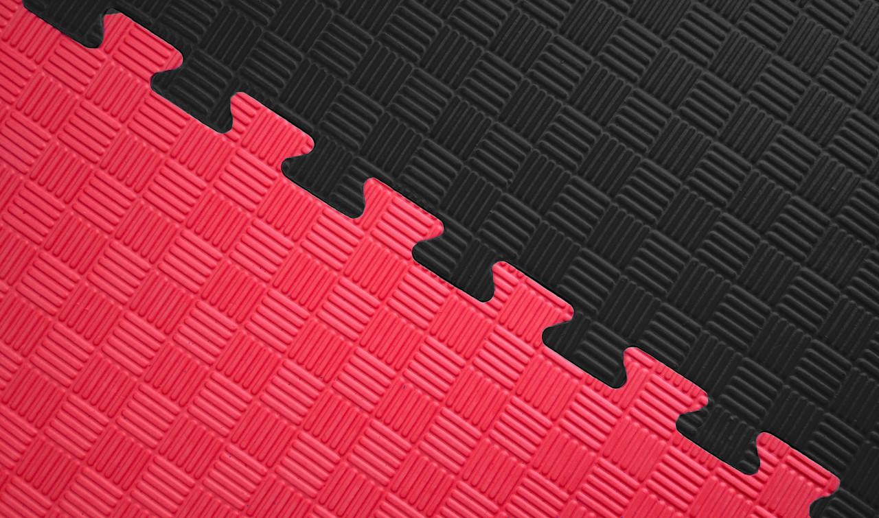Мат татами 100*100*4 см Eva-Line Extra Quality черный/красный Плетёнка 100 кг/м3 (будо-мат, даянг)