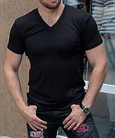 Черная  мужская футболка с V вырезом Сл 1190
