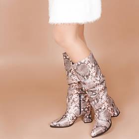 Сапоги кожаные с принтом  на удобном каблуке до колена  размер 36-41