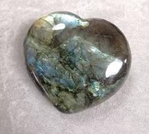 Камінь сувенірний Лабрадор у формі серця асорті (ціна за 100 грам)