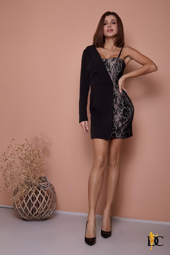 Комбинированное платье асимметричного кроя , костюмная ткань и кружево. Размер:С,М. Цвет: черный. ( Р 2677)