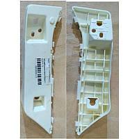 Кріплення бампера переднього ліва Geely EC-7 (Джилі Емгранд ЕС7) 1068001655