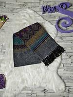 Теплый шарф женский серый с абстрактным рисунком