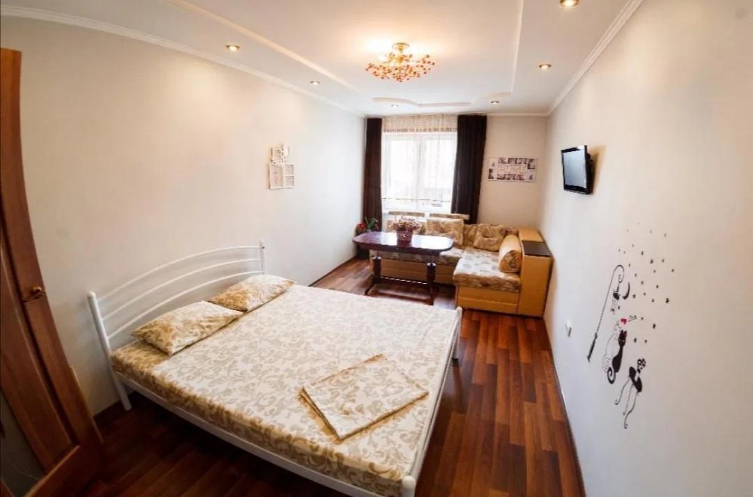 Подобова оренда квартири в центрі Львова , площа Осмомисла 3  Львовская область, Львов, Галицкий
