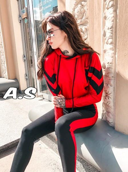 Женский спортивный костюм с лампасами,черно-красного цвета