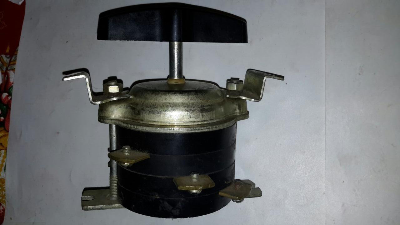 Пакетний перемикач ПВ3-60-УЗ (63А 220В, 40А 380В)