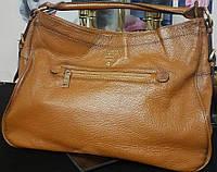 PRADA сумка-тоут с металлическим логотипом. Натуральная кожа.