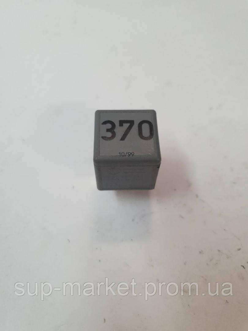 8D0951253 Реле вентилятора 370, VW, Audi A6 C5 2.5TDI 1997-2004