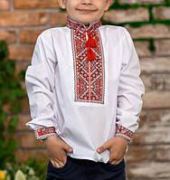 Вышитая рубашка для мальчика с красной вышивкой