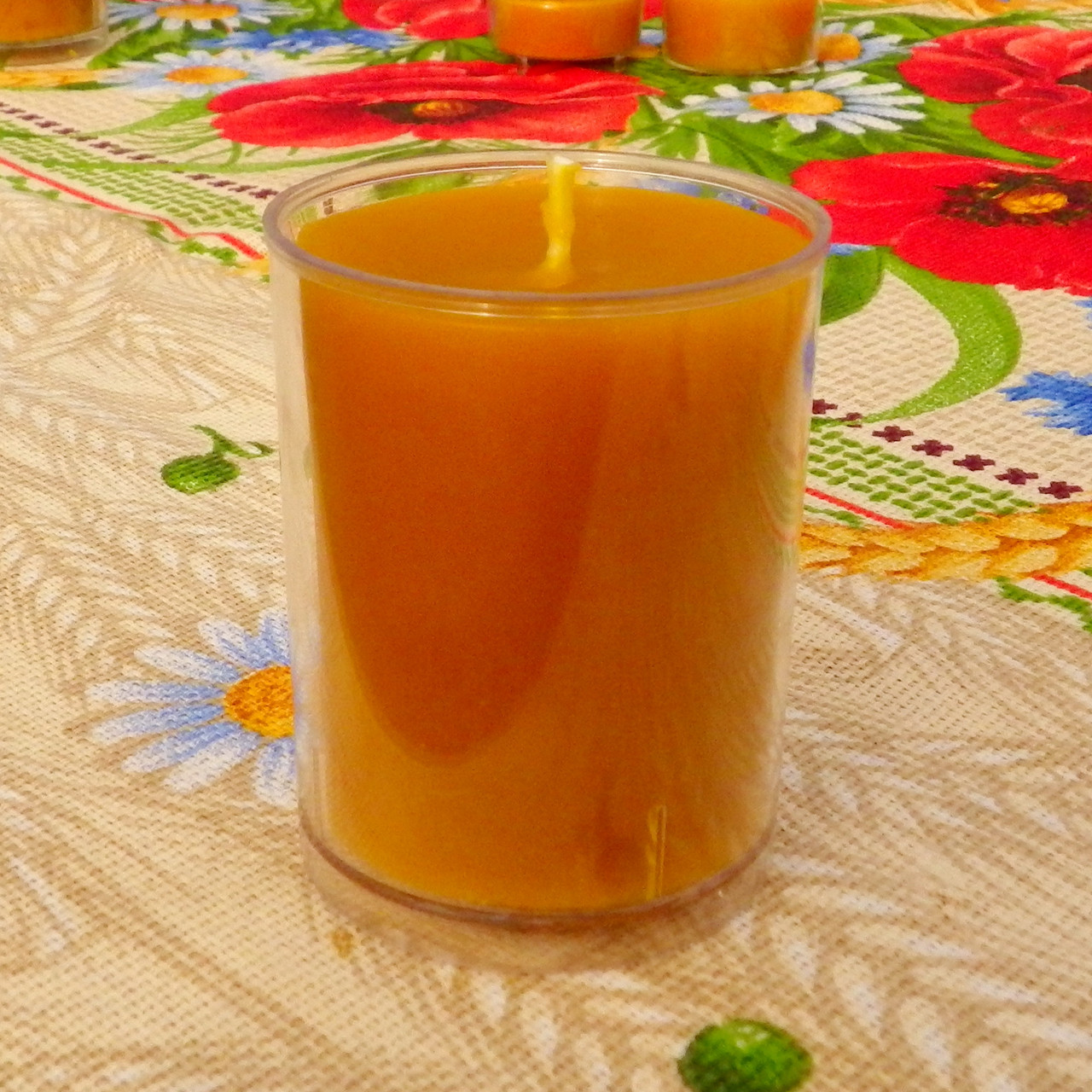 Круглая высокая восковая чайная свеча 77г; натуральный пчелиный воск