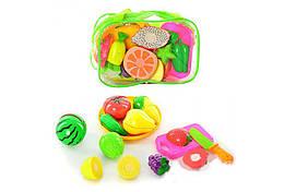 Детский игровой набор Овощи и фрукты на липучках с досточкой и ножом, в сумке 23*14*8 см.