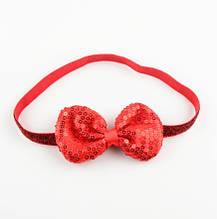 Детская красная повязка с пайетками - бант 9*5см, окружность 38-50см