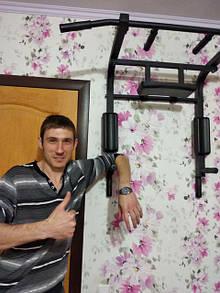 Григорий после очередной установки турника
