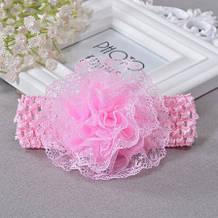 Детская светло-розовая повязка с цветком -  окружность 30-50см, размер цветка 9см