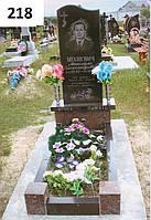 Елітний пам'ятник з плиткою та червоною тумбою з граніту
