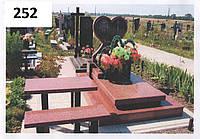 Елітний комплект пам'ятник у вигляді серця з червоного граніту на кладовище