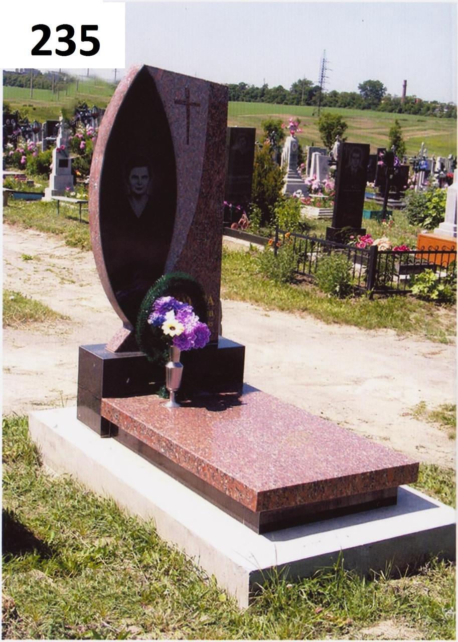 Елітний пам'ятник з червоного граніту з закритим червоним квітником