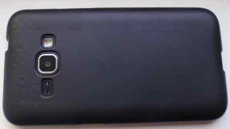 Cмартфон Samsung J120  б/у на запчасти.