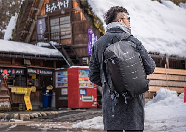 Рюкзак под фотоаппарат с отделом под ноутбук