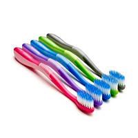 Зубная щетка для чувствительных зубов и десен Jordan Clean between