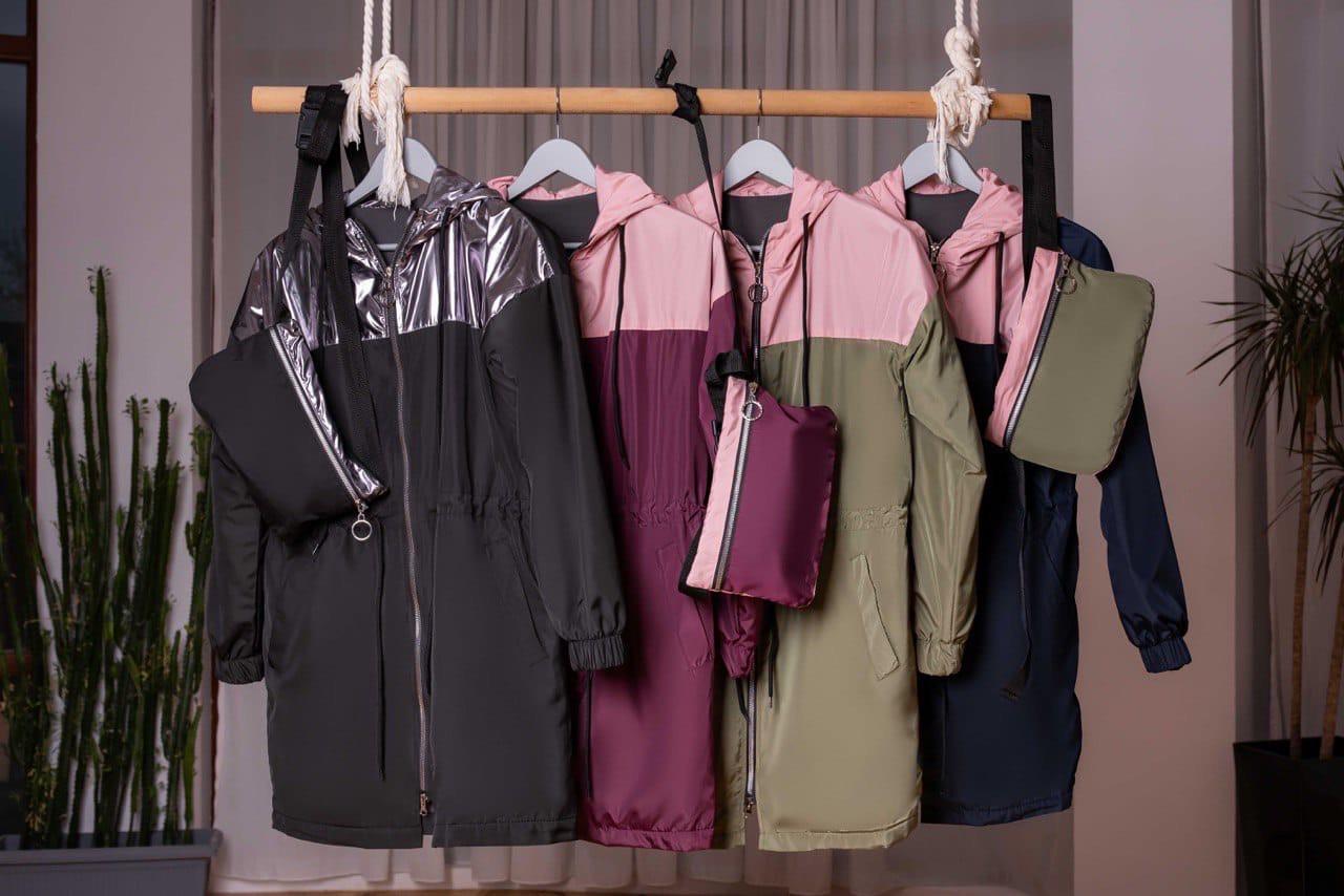 Женсккая демисезонная куртка+клатч на флисе48-58р (4расцв)