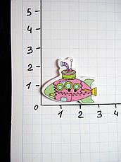 Деревянная пуговица 5 цветов, Подводная лодка 3х2,5 см для скрапбукинга, рукоделия  и др. - 1 шт, фото 3