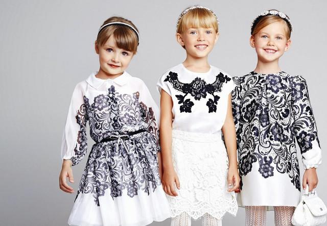 Детские платья, сарафаны, костюмы
