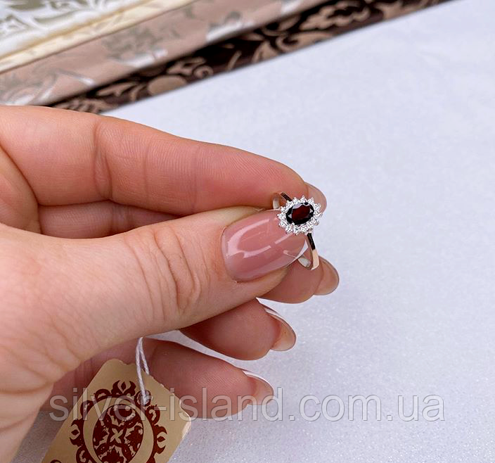 Серебряное кольцо с гранатом и золотом Лурд