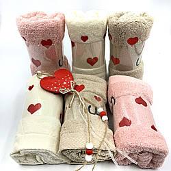 Махровое полотенце «Love is» 35х70 см оптом от 6шт.