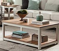 Журнальный столик из дерева в Скандинавском стиле.