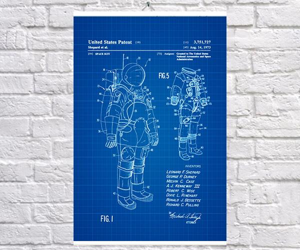 Постер BEGEMOT Патент-чертеж Скафандр Миссия АПОЛЛО 40x61 см Синий (1120171)