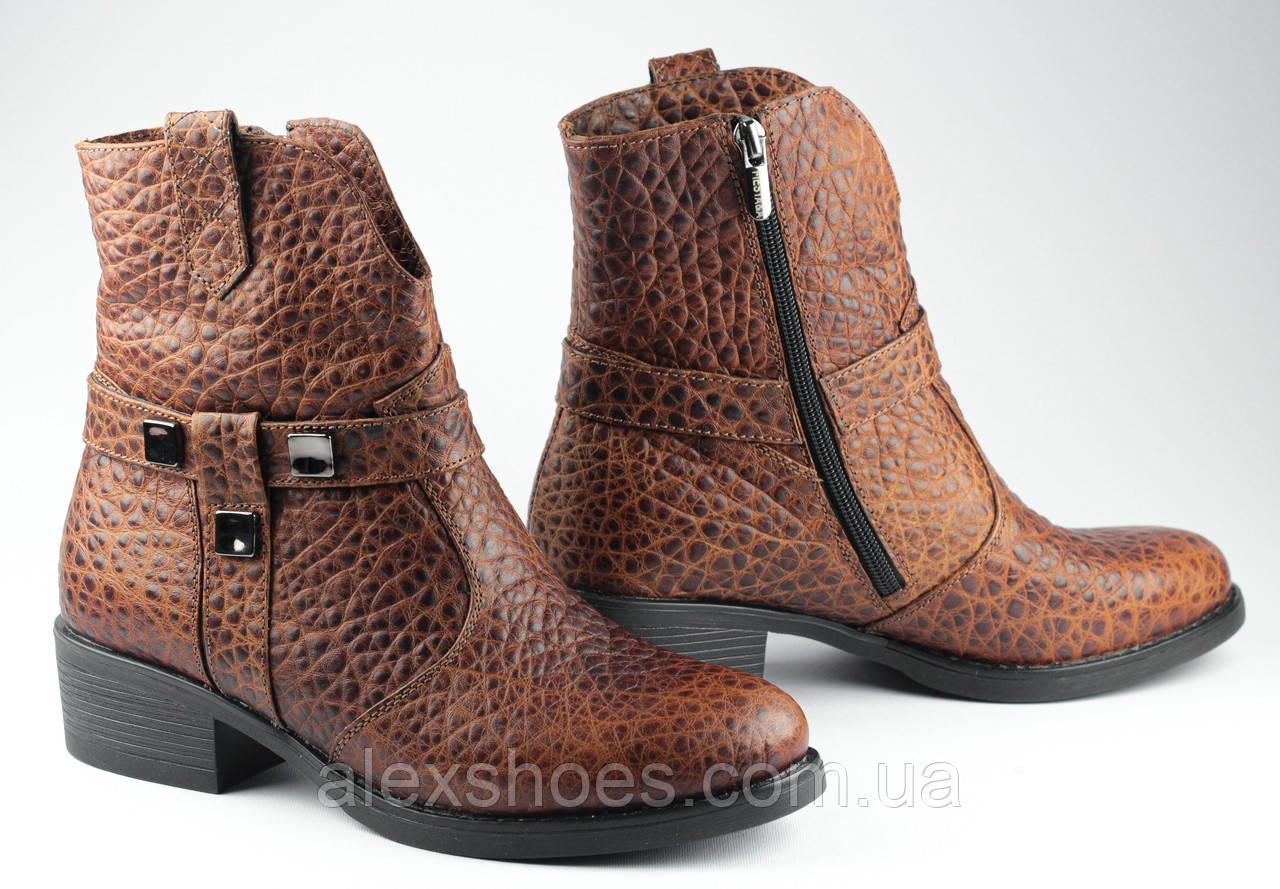 Ботинки казаки женские демисезонные из натуральной кожи на низком каблуке от производителя модель ФС2031-2