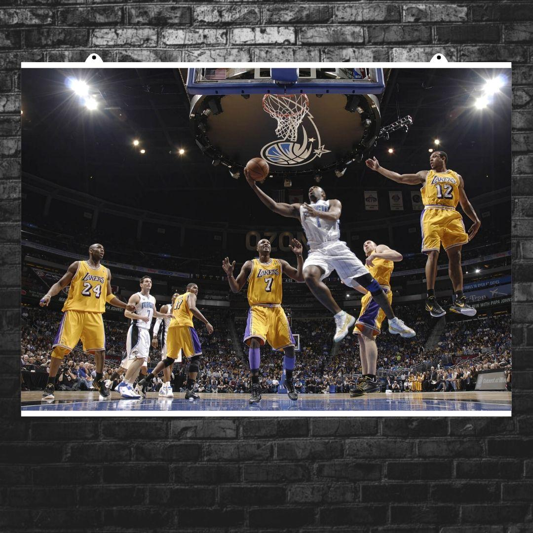 "Постер ""Баскетболисты Lakers в прыжке у корзины"". Размер 60x40см (A2). Глянцевая бумага"