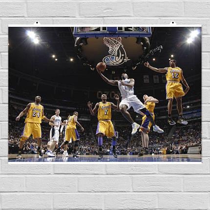 "Постер ""Баскетболисты Lakers в прыжке у корзины"". Размер 60x40см (A2). Глянцевая бумага, фото 2"