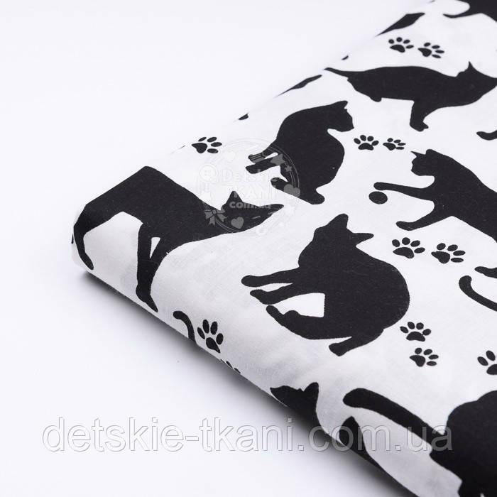 """Лоскут ткани """"Коты и следы лапок"""" чёрные на белом фоне №2577, размер 80*26"""