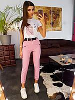 Комплект: Розовые брюки карго с поясом и футболка с принтом