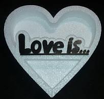 Пiнобокс- фiгурна коробка для  квітів та подарунків - Серце Love is...