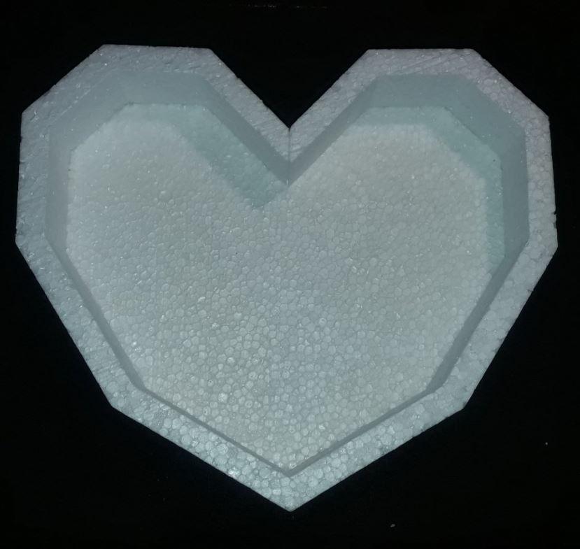 Пенобокс- фигурная коробка для цветов и подарков -  Сердце граненное