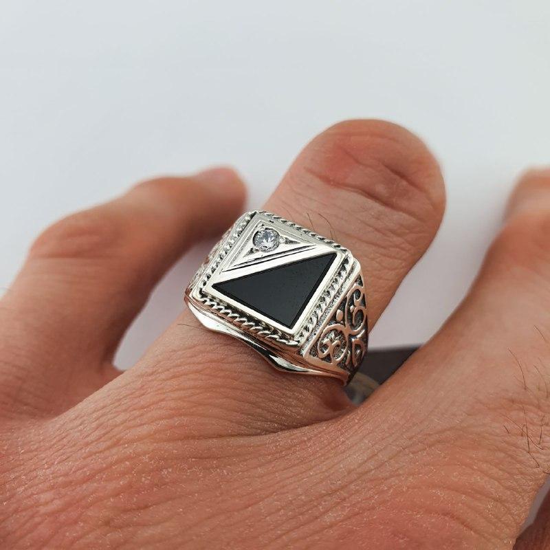 Печатка зі срібла 925 проби. Чоловічий срібний перстень. 453/20
