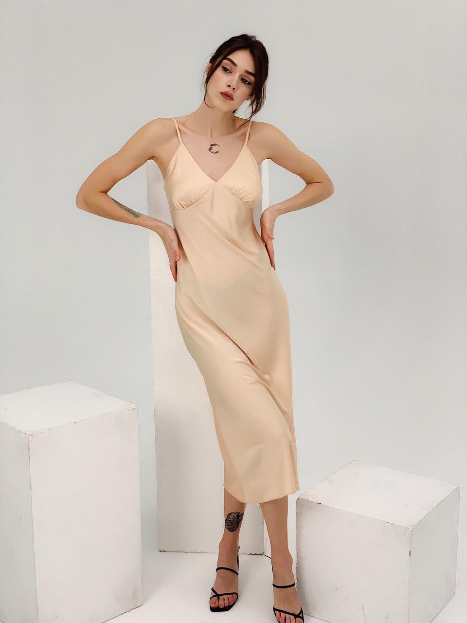 Платье шелковое женское