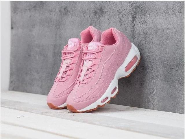 Женские Nike Air Max 95 в розовом цвете фото