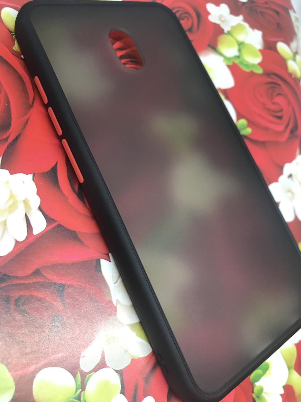 Чехол Xiaomi Redmi 8A противоударный бампер накладка цветная окантовка черный красные кнопки