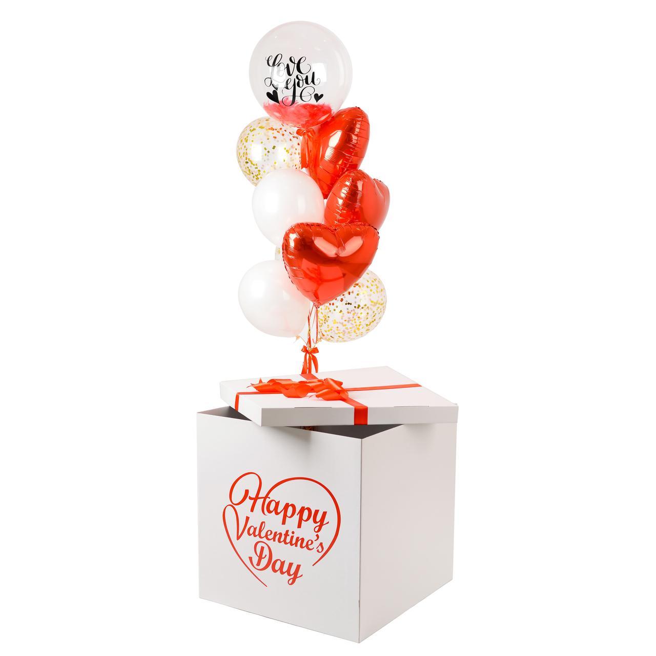 Коробка с шарами сердечками на День святого Валентина