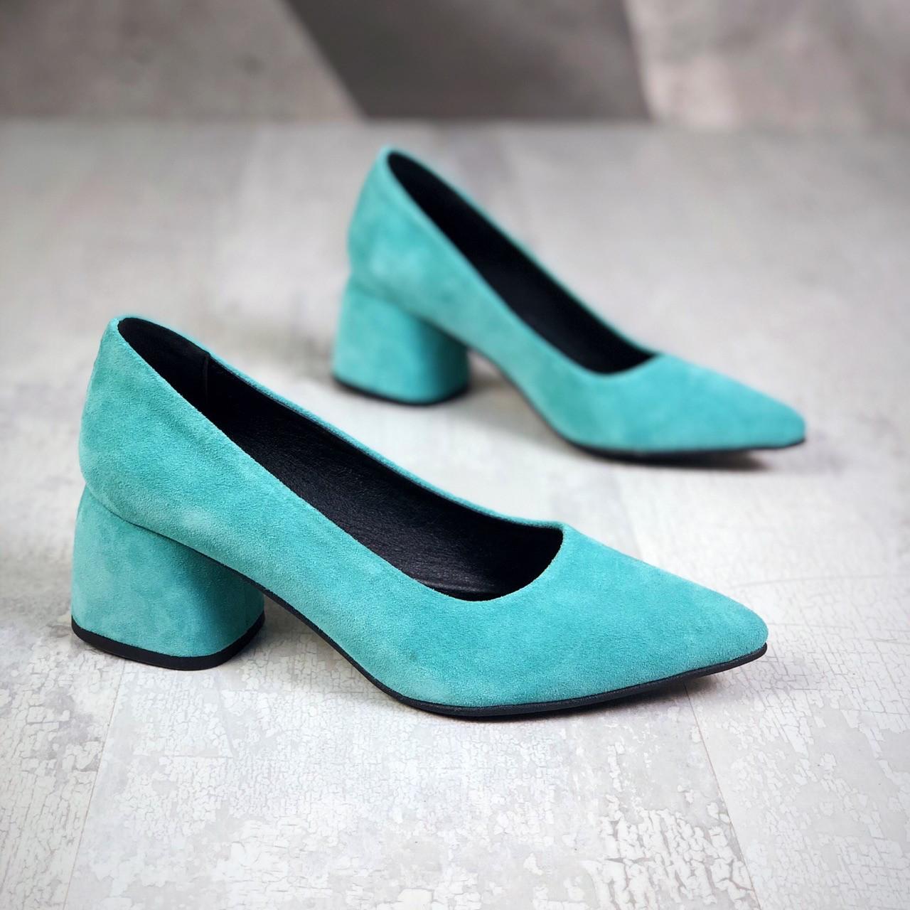 Шикарные замшевые туфли на каблучке 36-40 р голубой