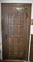Двери межкомнатные под старину с кованными деталями