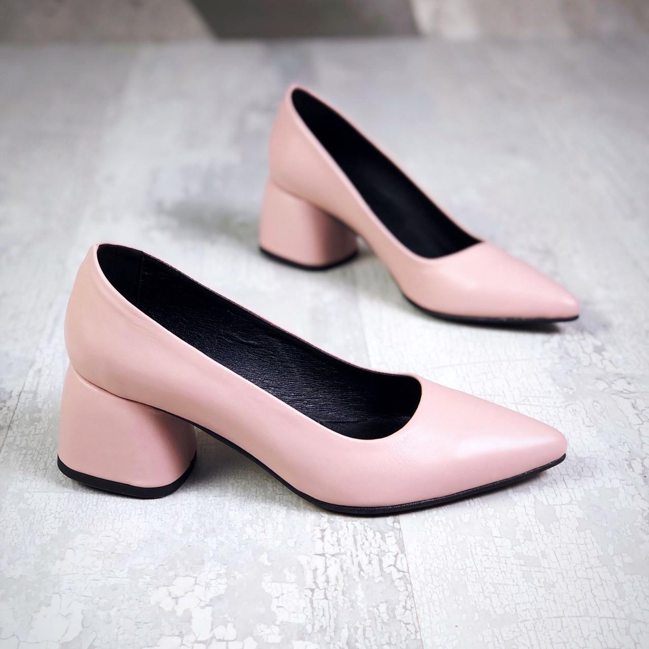 Шикарные кожаные туфли на каблучке 36-40 р пудра